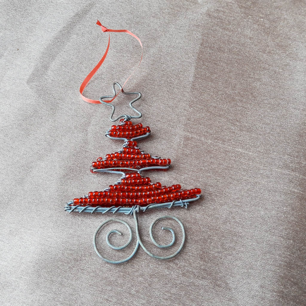 /en/shop/product/Beaded_small_Christmas_tree_with_hanging_loop.php